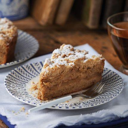Chai Apple Streusel Cake